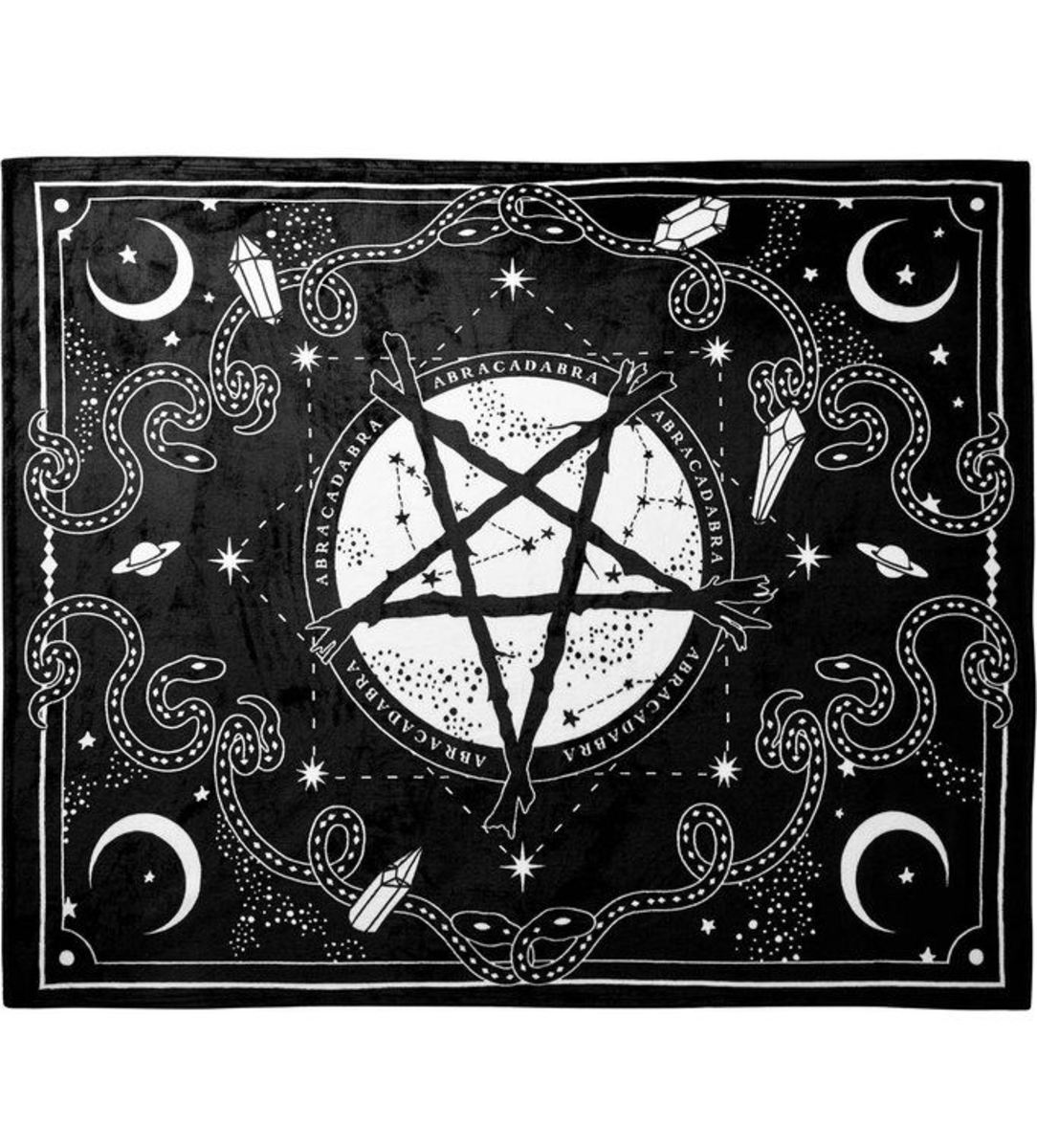 deka KILLSTAR - Blessed Be Blanket - KSRA001421