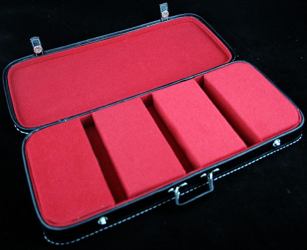 pouzdro na kytary 3 - červený vnitřek