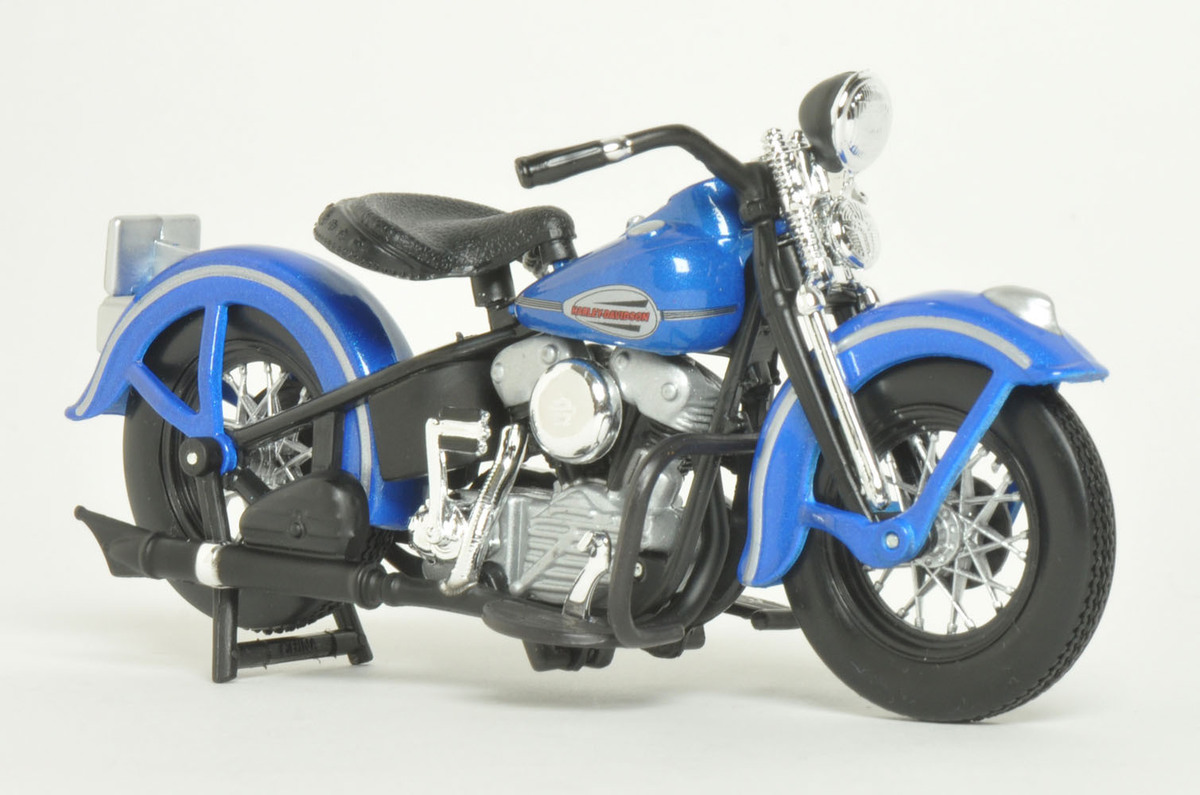 dekorace Sons Of Anarchy - Modell 1/18 1946 Harley-Davidson - MST35039